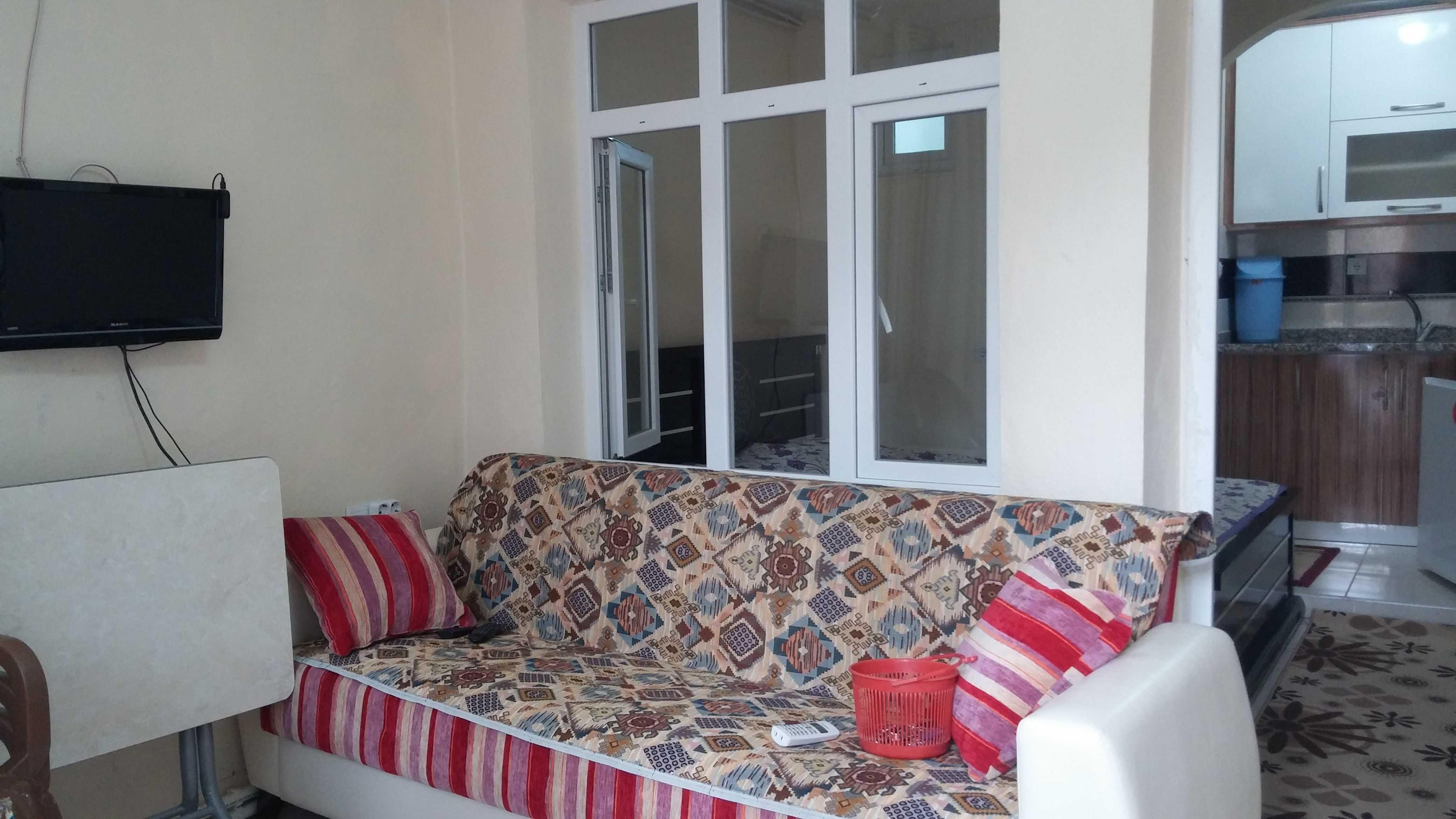 ciftehan cevik pansiyon 1+1 oda içi fotoğraf-LCD TV ve oturma odası-3